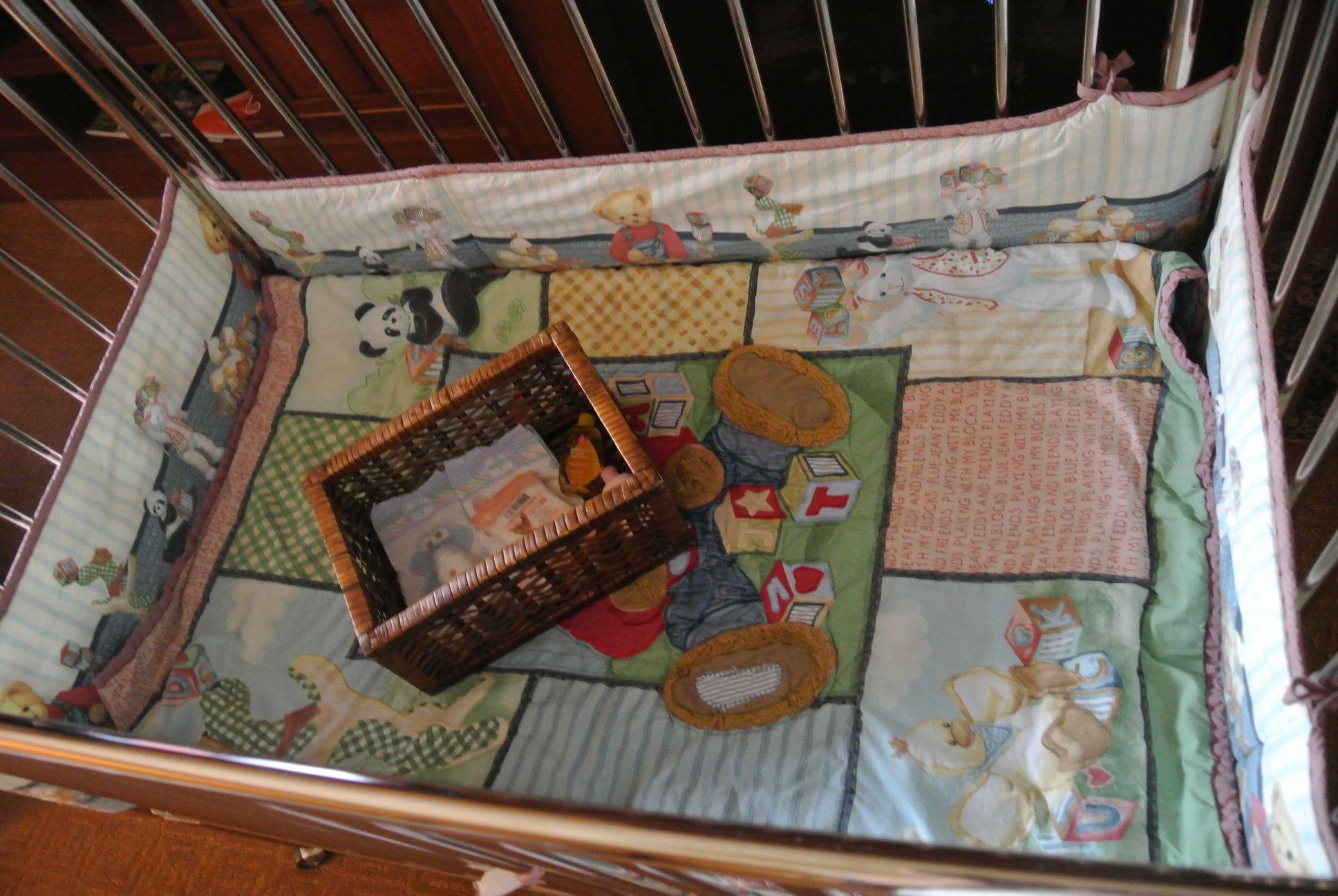 Four Seasons Whistler Crib ammenities